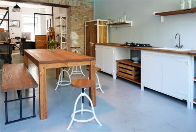 AUTHENTIC FURNITURE kitchen by Noodles, Noodles & Noodles